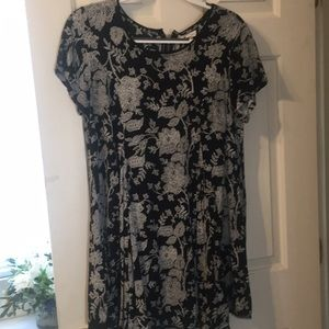 Short sleeved, black and white floral dress